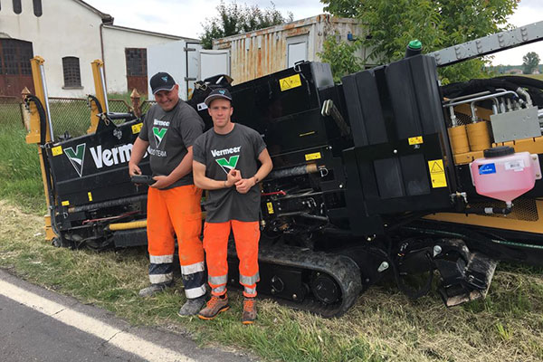 Team Magro Impianti al lavoro con i mezzi Vermeer